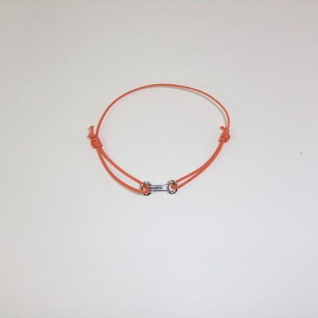 Bracelet cordon motif or forme allongée
