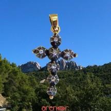 Croix Jeannette argent et or jaune avec diamants moyen modèle