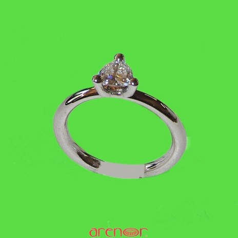 Solitaire or gris 3 griffes diamant triangle