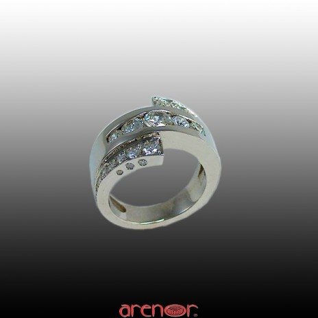 Bague diamants or gris 3 rangs
